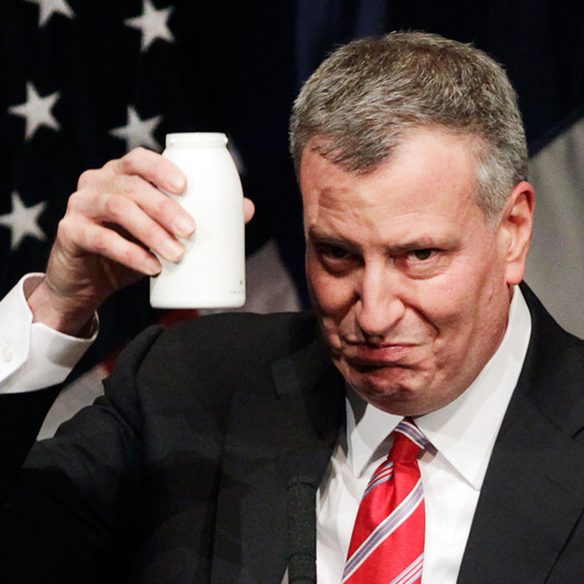16-bill-de-blasio-drink.w529.h529
